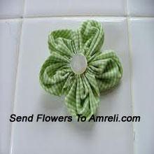 productA Cute Flower Shaped Hair Clip