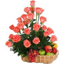 productArrangement Of 24 Roses With 3 Kg Assorted Fruits