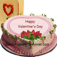 product1 Kg (2.2 Lbs) Heart Shaped Strawberry Cake