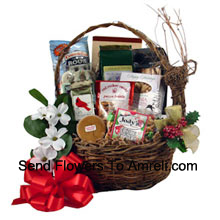 Sample some great holiday traditions straight from Virginia! This assortment of goodies is perfect to share with family, friends or business clients. The small size is brimming with peanuts, snack mix, Christmas popcorn, fudge, cheese straws, peanut bar, chips and coffee (Please Note That We Reserve The Right To Substitute Any Product With A Suitable Product Of Equal Value In Case Of Non-Availability Of A Certain Product)